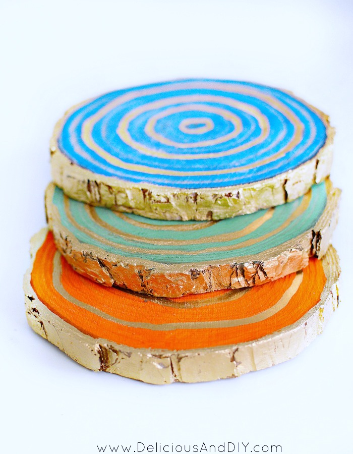 See how easy it is to make Stained Wood Slice Coasters| Wood Coasters created using Colorful Wood Stains| Home Decor| DIY Coasters made Using Wood Slices| Craft Ideas| Home Decor| Stained Wood Coasters| Liquid Gold Gilding Wood Coasters