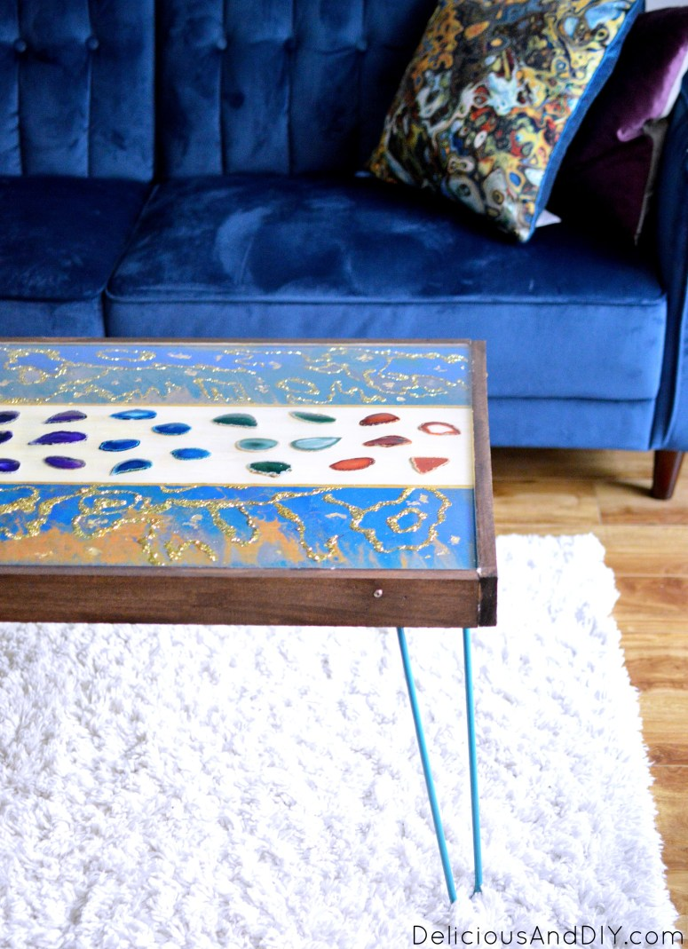 Learn how to make your own DIY Wood Coffee Table using Resin, Marbling Paint Technique, Agate Crystal Slices and Wood| DIY Marbled Resin Coffee Table| DIY Coffee Table Ideas| DIY Home Decor| Woodworking| Coffee Table Ideas| Before and After| Hairpin Leg Coffee Table