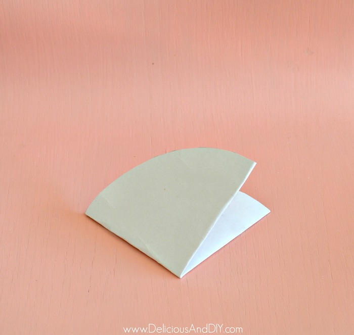 folding circle paper into four