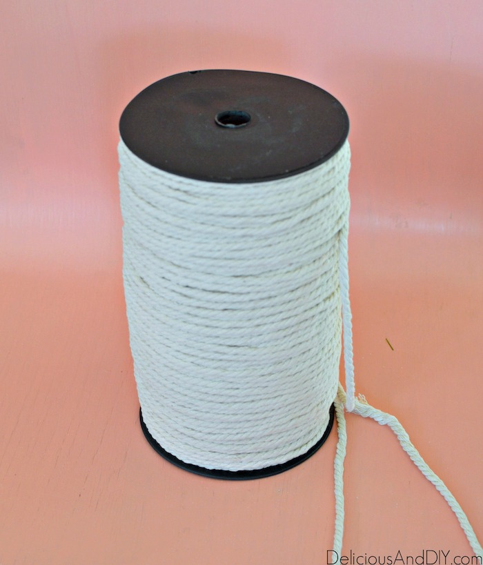 diy white yarn to be used to make water fountain
