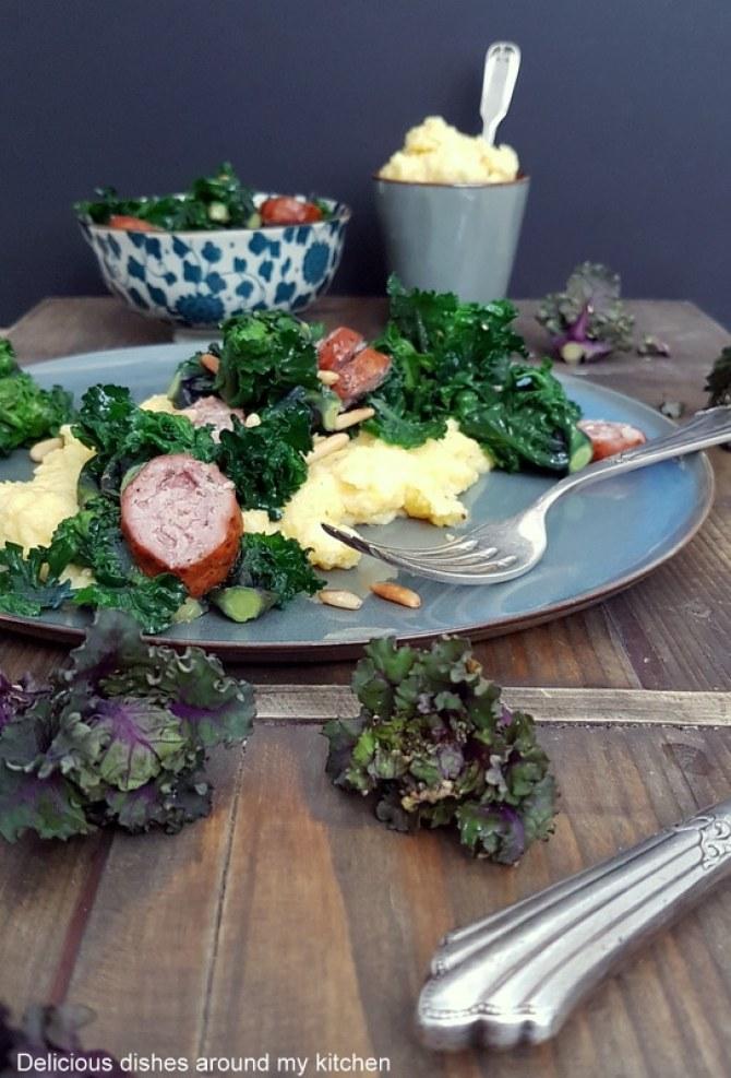 Kohlröschen mit Pinienkerne & cremiger Polenta