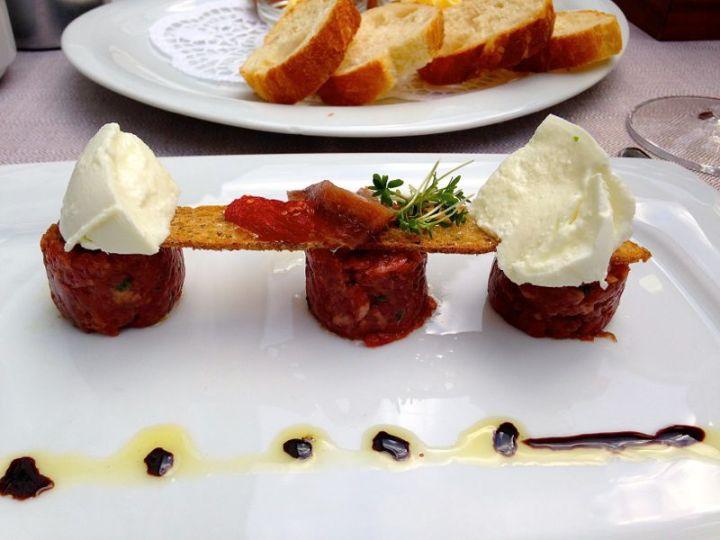Vorspeise im Restaurant Kaiserkron: Tatar vom Pinzgauer Rind