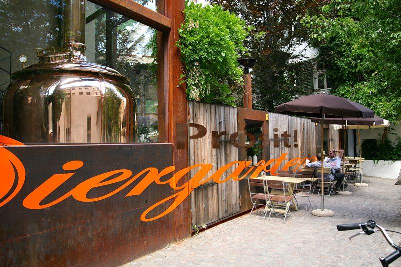 Batzenhäusel – leckere Biere und gemütliches Plätzchen. Drinnen wie draußen.