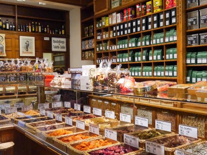 Kolonialwarenladen in der Altstadt: Einkaufen wie früher