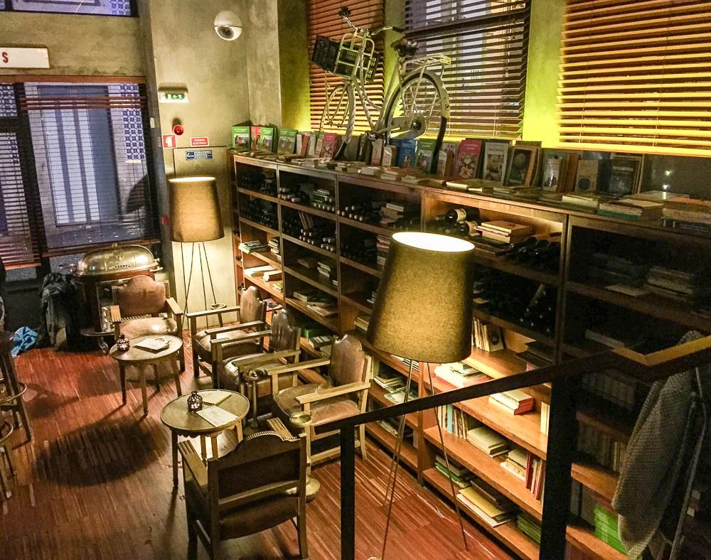 Hotel Infante Sagres & Restaurant Book