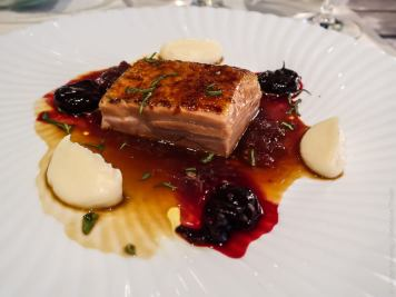 Karamellisierter Schweinebauch im Restaurant Marèe in Vaduz