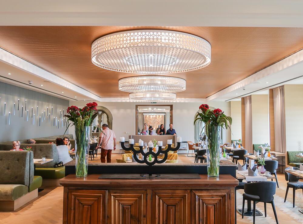 Frühstücksraum im Steigenberger Inselhotel Konstanz
