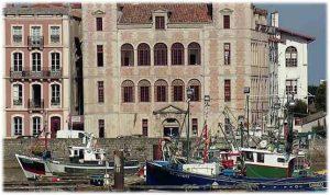 Pays-basque-bateaux-saint-jean-de-luz-maison-de-l-infante