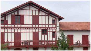Pays-basque-maison-basque