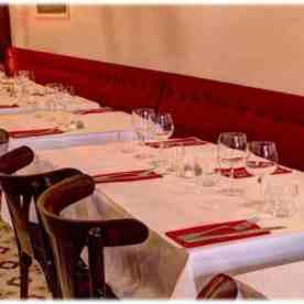 chez-France-bistrot-Paris-table-lo