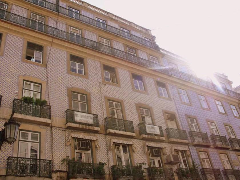häuserfassade-in-lissabon