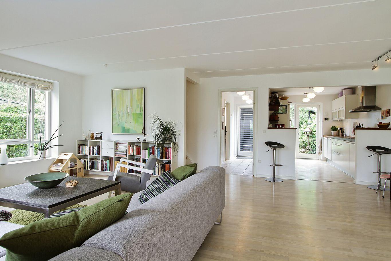 Una casa adosada danesa blog tienda decoraci n estilo for Blog de decoracion de casas