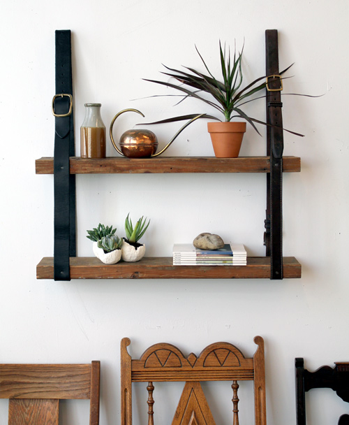Diy estanter a de madera y cuero blog tienda decoraci n for Decoracion de estanterias