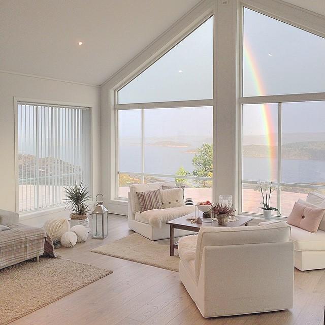 Preciosa casa en un entorno de ensue o blog tienda - Casas decoradas en blanco ...