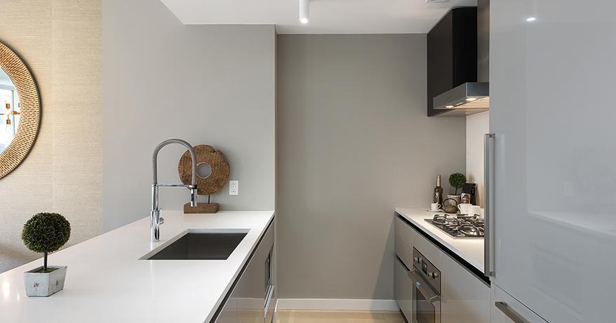 Moderno Nueva York Pequeña Cocina De Diseño Elaboración - Ideas de ...