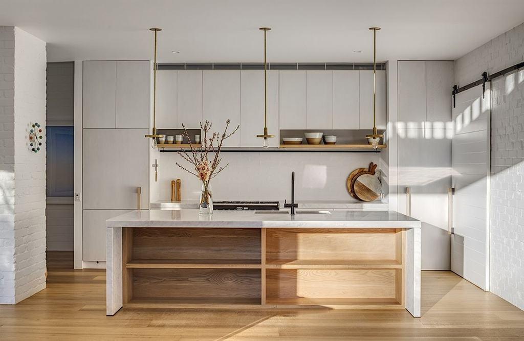 puertas correderas interior minimalismo japones distribución diáfana diseño interiores casa australiana