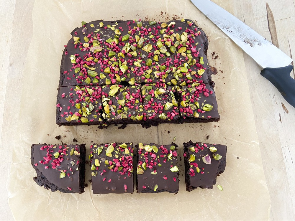 Bizcocho de chocolate en 6 minutos (receta vegana)