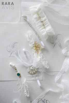 bridal garter with lace and crystals
