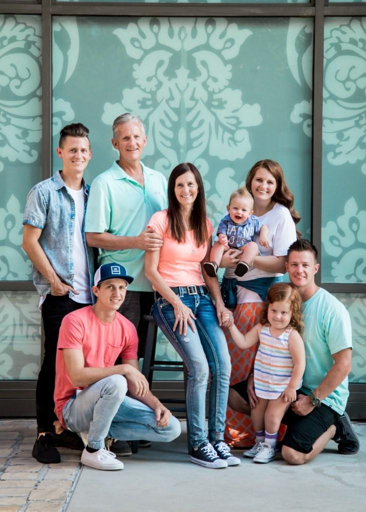 Photography   Family   Lifestyle Photography   Family photography   Utah photographer   Utah Family   Family Photography Poses   Dellany Elizabeth   Utah Blogger