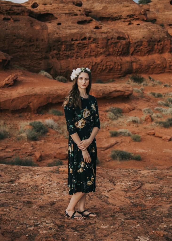 Photography | Senior | Lifestyle Photography | Senior photography | Utah photographer | Utah Senior | Senior Photography Poses | Dellany Elizabeth | Utah Blogge