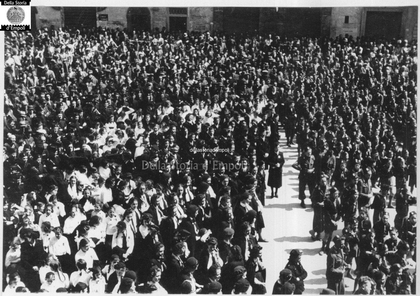 Piazza Del Littorio, Adunata Fascista. Archivio Fondo Caponi