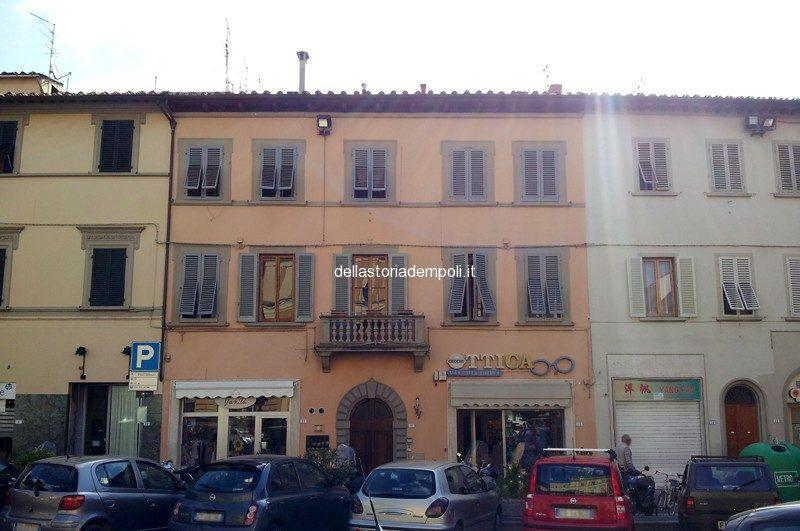 Palazzo Pandolfini In Piazza Del Popolo
