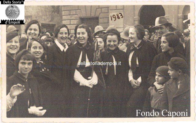 Fondo Caponi Empoli, Vol 2 Pagina 6: Le Donne Empolesi All'adunate Fasciste