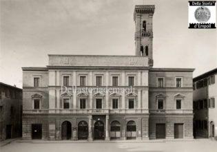 Empoli - Casa del Fascio in Piazza del Littorio. Notare anche il Caffè Littorio al piano terra.