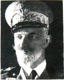 Foto n.3 - Il generale Caracciolo di Feroleto, comandante della 5a armata.