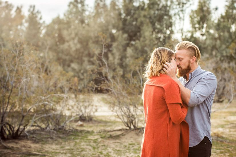 wedding photographer joshua tree engagement session