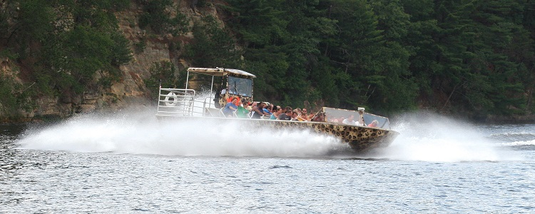 Wild Thing Jet Boat Tours As Presented By Meadowbrook Resort & Dells Packages In Wisconsin Dells