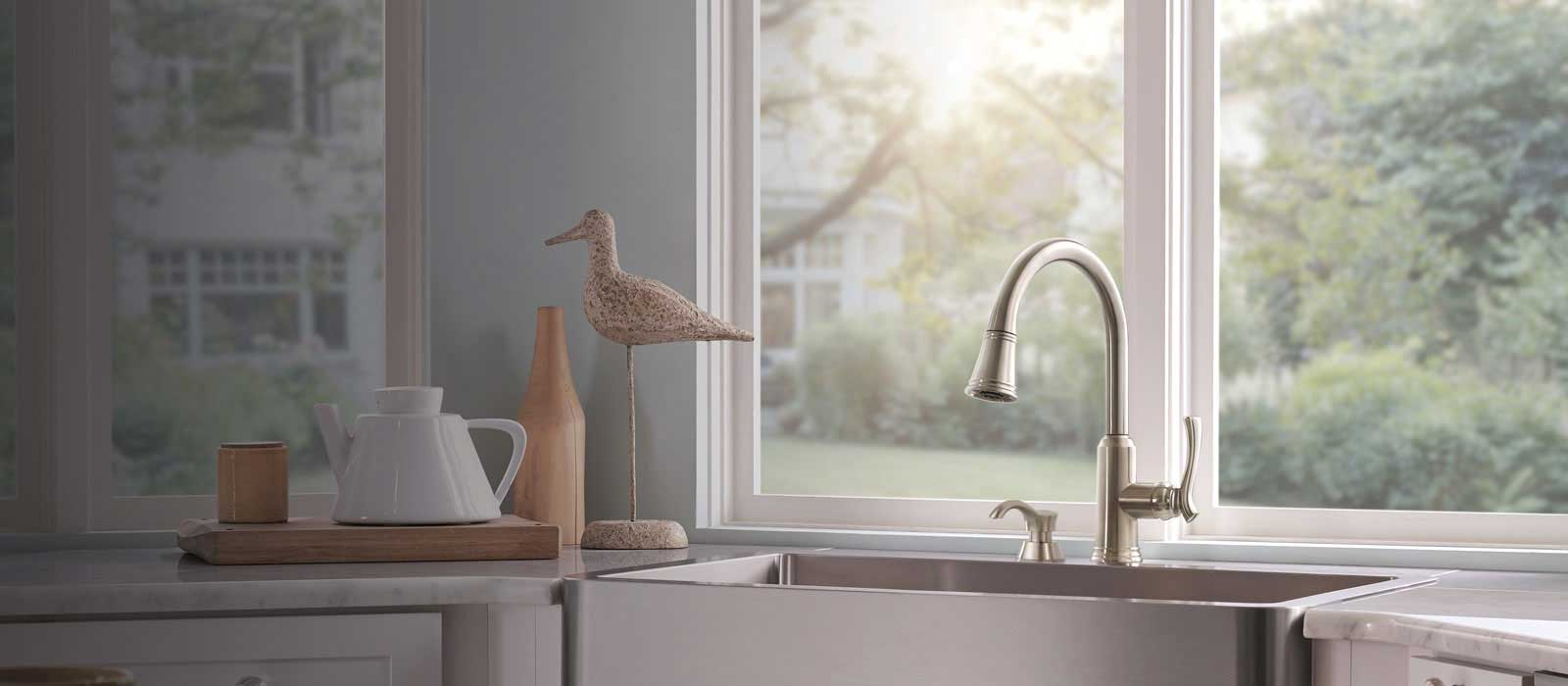 lakeview kitchen collection delta faucet
