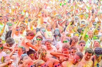 A Dunkerque, tout le monde s'y met pour donner de la couleur à la Holi Run