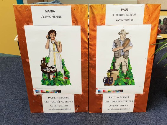 La ville d'Herzeele vient de présenter ses deux nouveaux géants, Mania et Paul