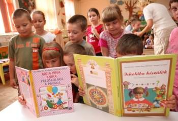 Komárno - materská škola na Ulici mieru 16 Komárno, deti, škôlka, hrajúce sa deti,