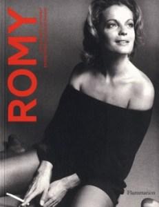 Romy 231x300 - « Je suis capable d'aimer la paix ou la violence, la sagesse ou la folie, le chaud ou le froid, jamais la médiocrité. » (Romy Schneider)