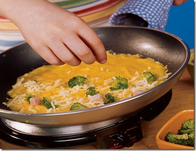 broccoli-ham-and-cheese-omelet-recipe-photo-420-FF0803COOKA07