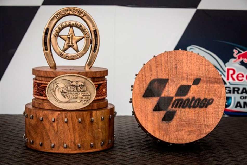 MotoGP2013COTA_troph