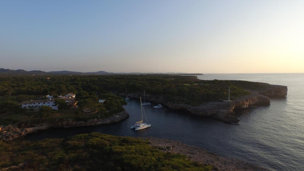 Cala Mitjana Mallorca Katamaran mitsegeln