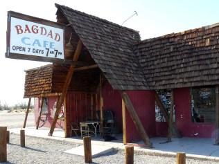 Le Bagadad café, dans lequel a été tourné le film éponyme, se dresse toujours au bord de la route 66.