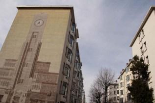 Plusieurs fresques décorent les façades du quartier.