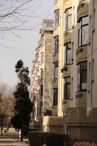 Tous les appartements sont dotés d'une loggia, qui étaient autrefois des balcons ouverts.
