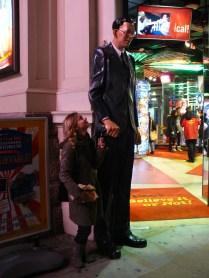 La statue du plus grand homme du monde vous accueille à l'entrée du musée Ripley's Believe it or not.