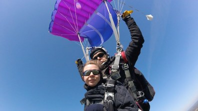 Descente en parachute.