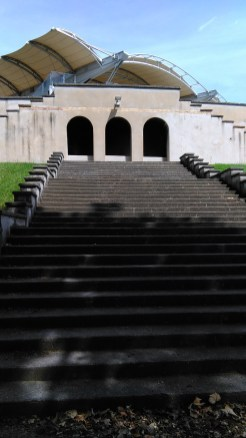 Les arches sont caractéristiques du stade de Gerland.
