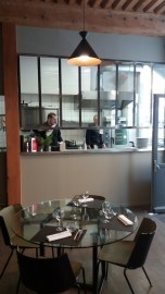 Le chef Frederic Taghavi officie dans la cuisine de l'Aromatic Restaurant