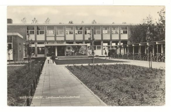 'De Huishoudschool in Wieringerwerf'