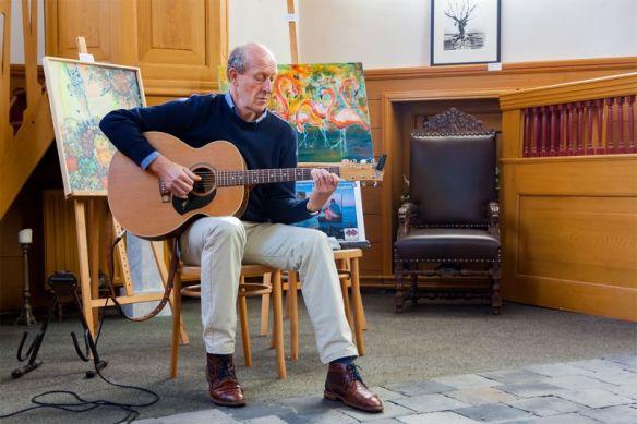 'Gitaris Jan Borg in de Nicolaas kerk' - Foto: Alexander Bügel