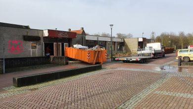 Photo of Opruimen voor het reüniefeest in De Oude Beurs begonnen