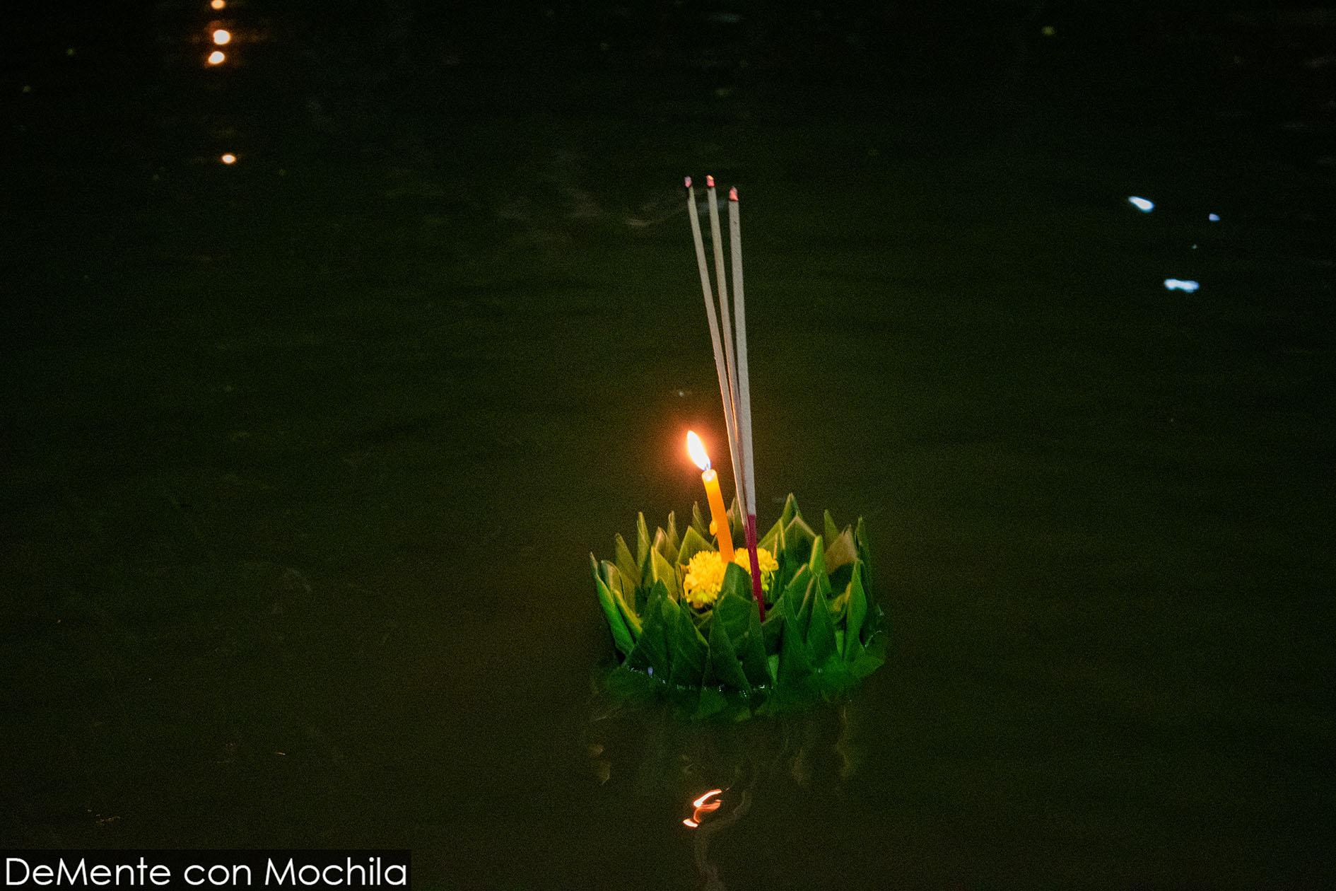 krathong flotando